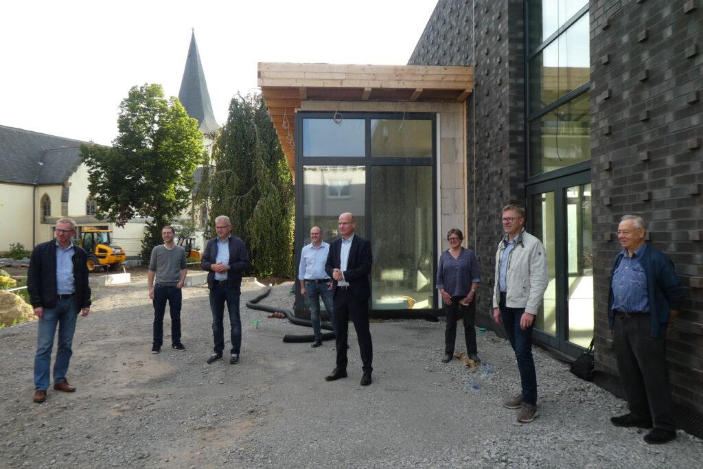v.l.: Dirk Bunger; Dr. Christian Brockschnieder; Manfred Rehkemper, Vors.; Dieter van Pels; Ralph Brinkhaus, MdB; Barbara Westermann; Andreas Venker, Geschäftsführer; Arnold Knaup